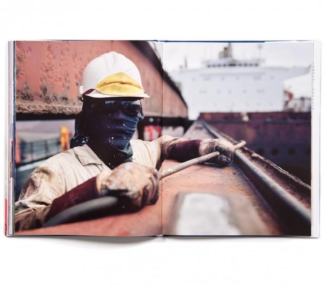 Die Cargonauten waren als Ausstellungsprojekt geplant. Das Buch zur Ausstellung erschien im Hauschild Verlag, Bremen 2008.