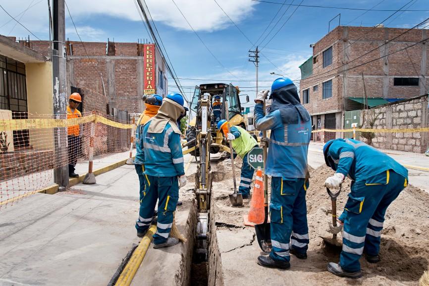 In Arequipa überwacht der TÜV-Rheinland die Installation von Erdgasleitungen.